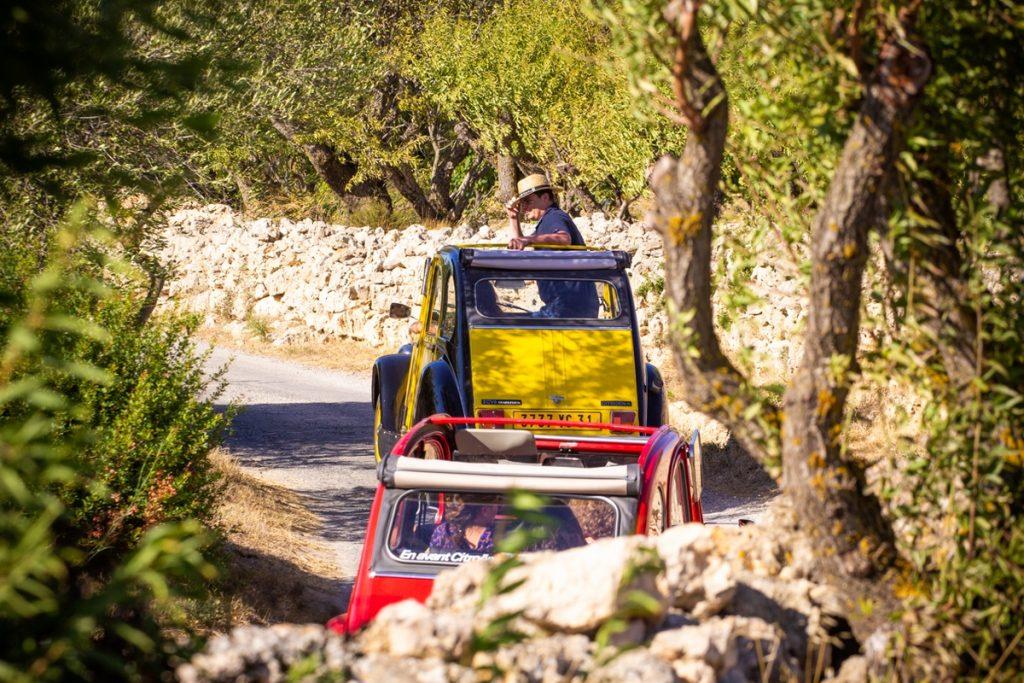 2CV Vin 4 Heures Tour Isabelle Castro